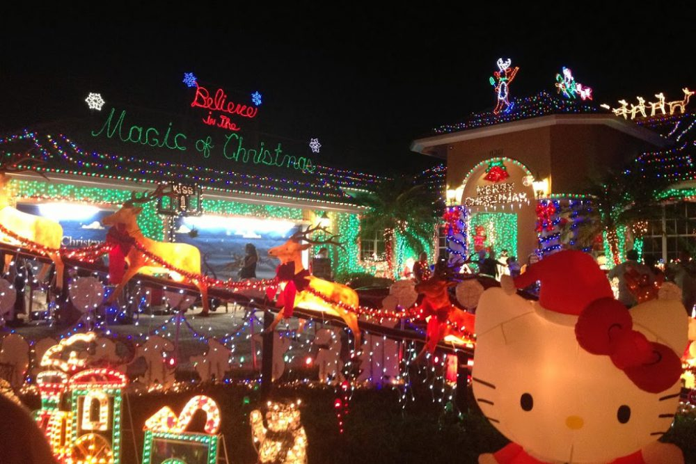 """""""Great Christmas Light Fight"""" House in Florida"""