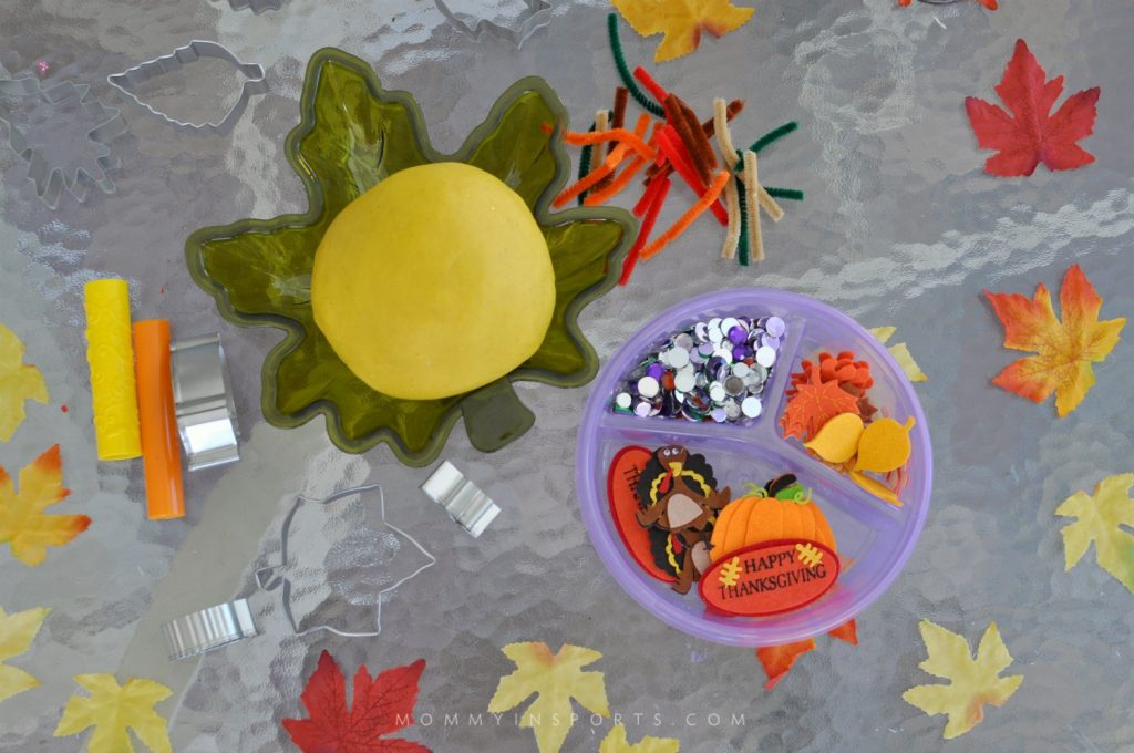 Looking for a fun activity for the kids while you cook on Thanksgiving? Try making this fun Thanksgiving Play dough recipe! Make it the day before and watch them create!