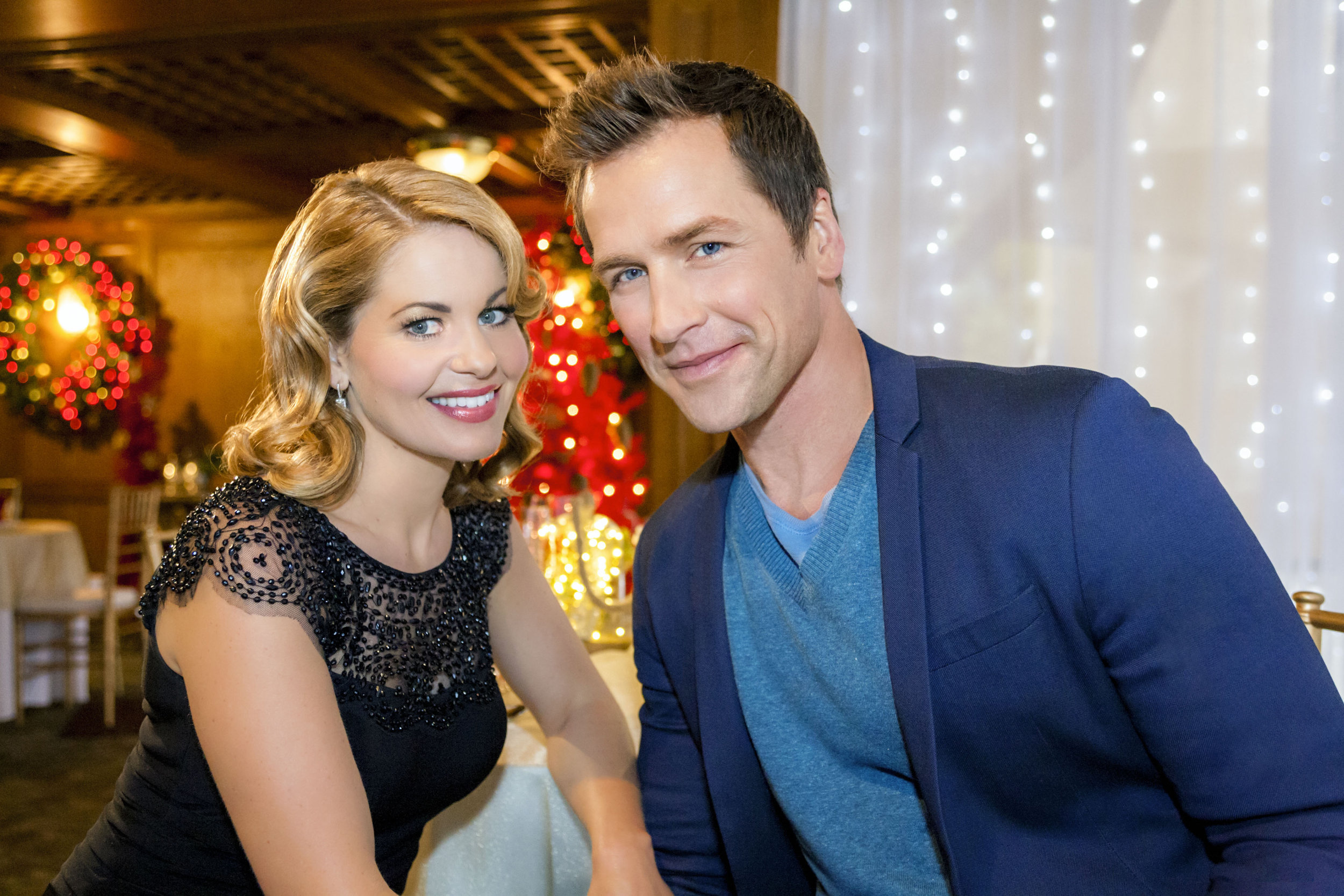 10 things you'll see in hallmark christmas movies - kristen hewitt