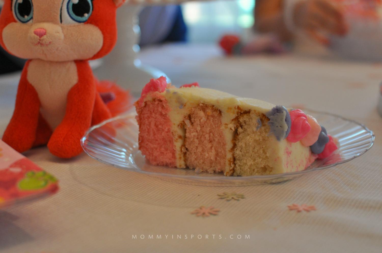 Palace Pets Cake slince