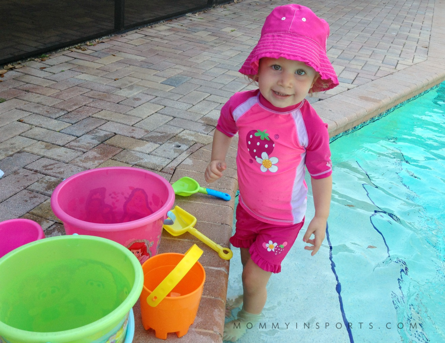 Not sure if your little one needs swim lessons? Drowning is the #1 cause of death of children under the age of 5. And they can learn quickly, don't hesitate, learn to swim easily!
