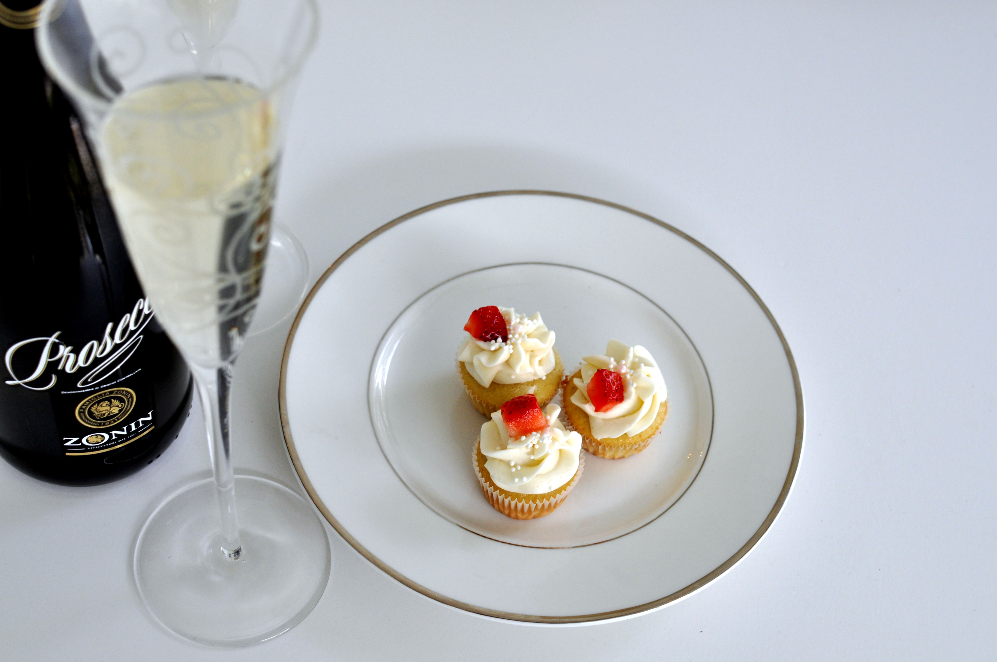 New Year's Champagne Cupcakes
