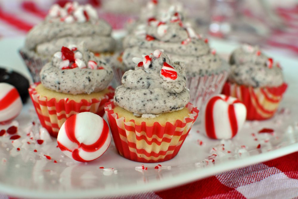 Perfect Vanilla Peppermint Cupcakes with Peppermint Oreo Frosting