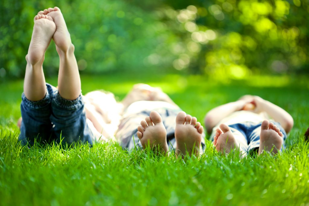 30 Ways to Have Fun Doing Almost Nothing With Your Kids This Summer