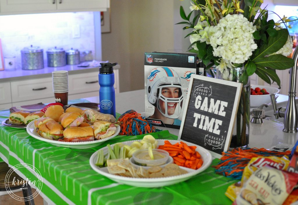 10 Healthy Football Snacks + Game Day Party Ideas!
