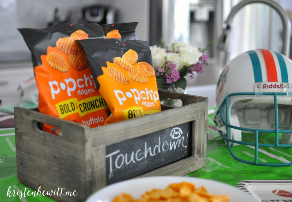 The Super Bowl is almost here and almost as important as the big game are the snacks! So make these 5 Super Bowl snacks and satisfy everyone in your family!