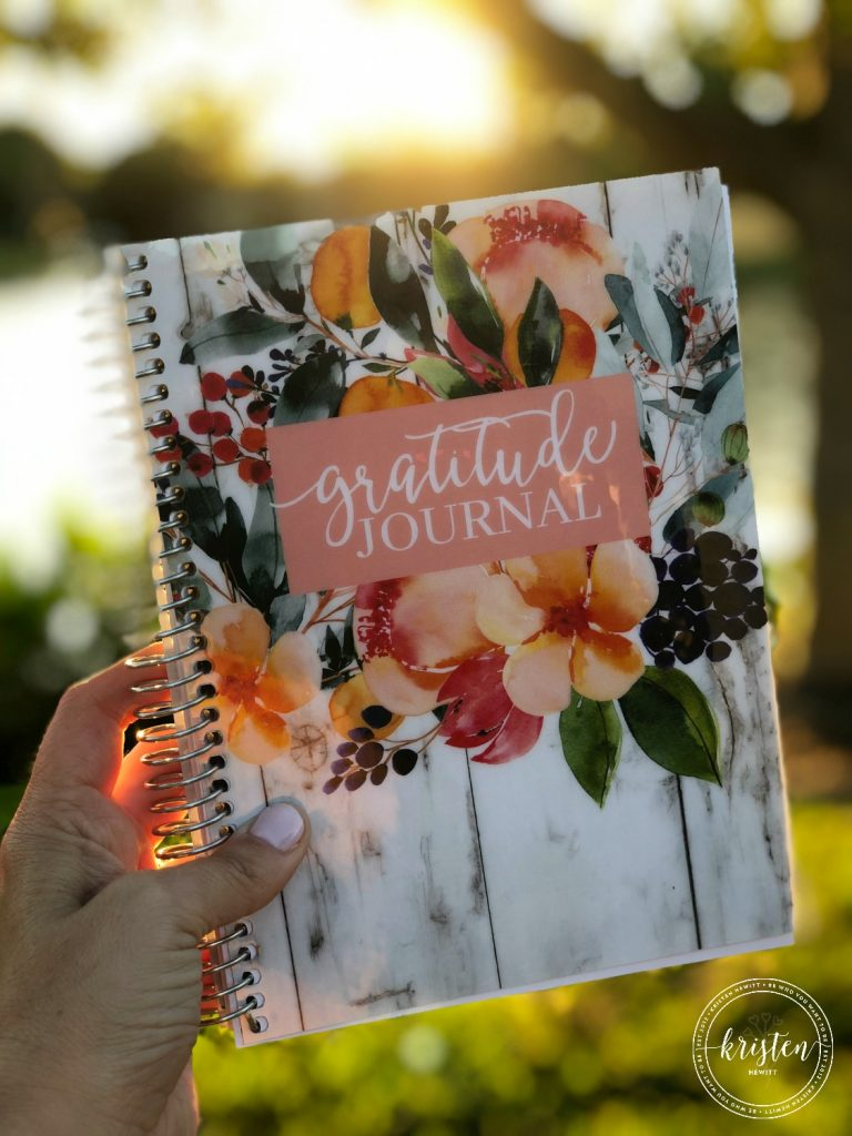 Looking to freshen up this spring?! Here are some of my favorite products, books, bag and hair accessories! Working mom approved!